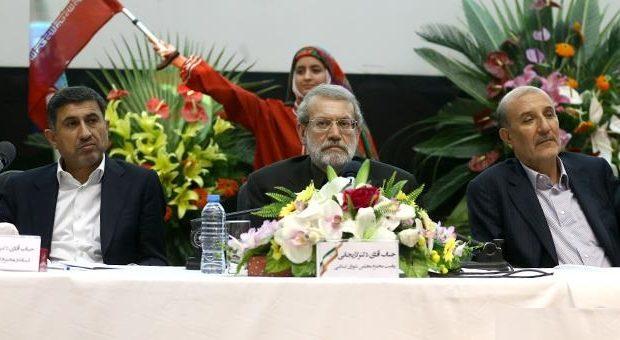 دکتر لاریجانی در مراسم گرامیداشت روز صنعت و معدن؛نباید دستگاه دیپلماسی کشور را وادار به اقدام عجولانه کرد