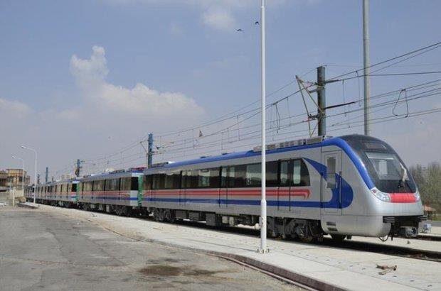 مترو تا پایان سال هر روز تا ساعت ٢٠ فعالیت می کند