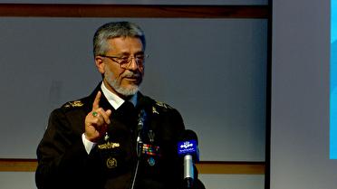 تاکید معاون ارتش بر نقش جوانان در گام دوم انقلاب