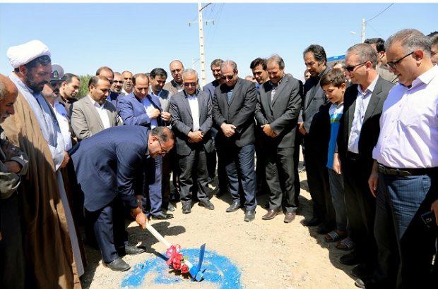 همزمان با گرامیداشت هفته دولت عملیات اجرایی توسعه شبکه فاضلاب مسکن مهر سراب آغاز شد