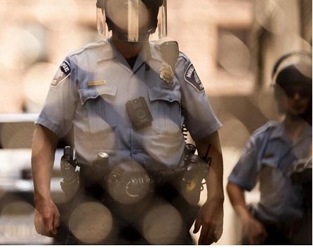 در اعتراض به نژادپرستی و خشونت علیه معترضان: استعفای دستهجمعی افسران پلیس آمریکا