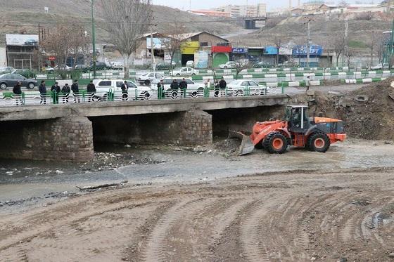 لایروبی تمامی کانالها و مسیلهای شهر تبریز