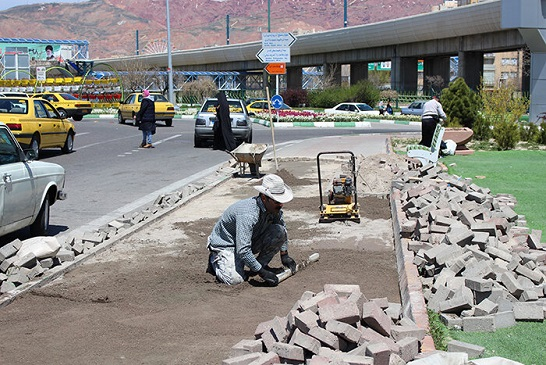 بهسازی پیاده راه ضلع شرقی ورودی زعفرانیه