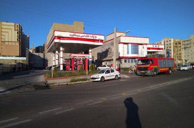 واکنش سریع آتش نشانان مانع بروز فاجعه حریق پمپ بنزین مرزداران شد