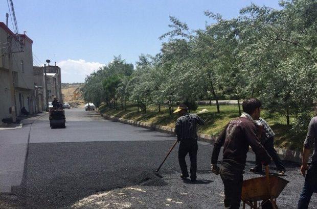 اجرای آسفالت به میزان ۳۵ تن در کوی باران شهرک بارنج