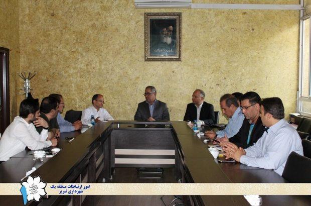 جلسـه بـررسی فـاز عملیاتی پروژه مهم بازگشایی رمپ آخـر خیابان شـهید رجائی برگزار شد