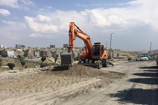 آغاز عملیات خاکبرداری و زیرسازی ضلع شمالی خیابان رودکی شرقی