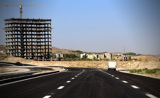 اجرای عملیات آسفالت ریزی پروژه کمربند میانی خاوران با ۶۳۲۰ تن آسفالت