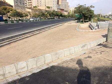 توسط شهرداری منطقه ۲ تبریز انجام شد؛  اجرای عملیات کف سازی پیاده روهای طرفین کانال باسمنج