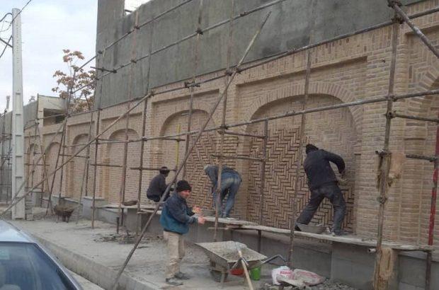 توسط شهرداری منطقه ۲ تبریز انجام شد؛ پیشرفت ۹۰ درصدی جداره سازی دیوار مسیر عطار نیشابوری