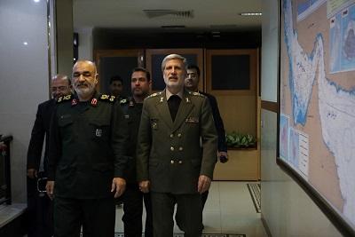 وزارت دفاع با تمام قوا و بهتر از گذشته سپاه را پشتیبانی و حمایت خواهد کرد