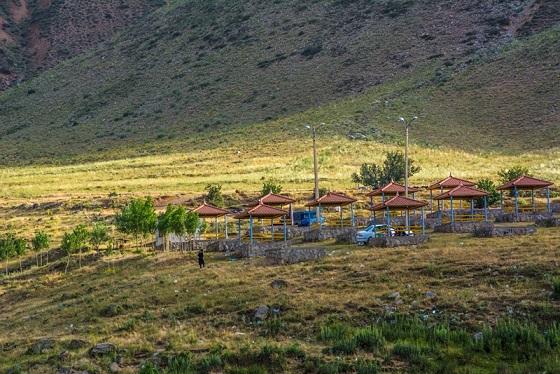 ساماندهی و تامین زیرساخت های کمپ گردشگری اسبفروشان شهرستان سراب
