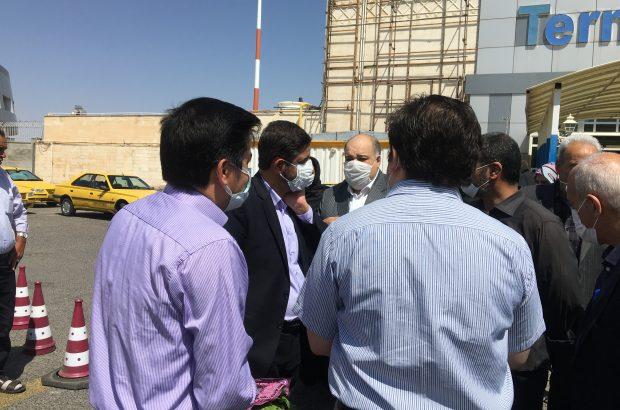 با حضور جمعی از مردم تبریز صورت گرفت، استقبال از جانباز دوران دفاع  مقدس در فرودگاه تبریز + تصاویر