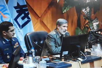 وزیر دفاع:تحریم ها فرصت طلایی برای شناسایی و دست یابی به ظرفیت های علمی و دانش داخلی است