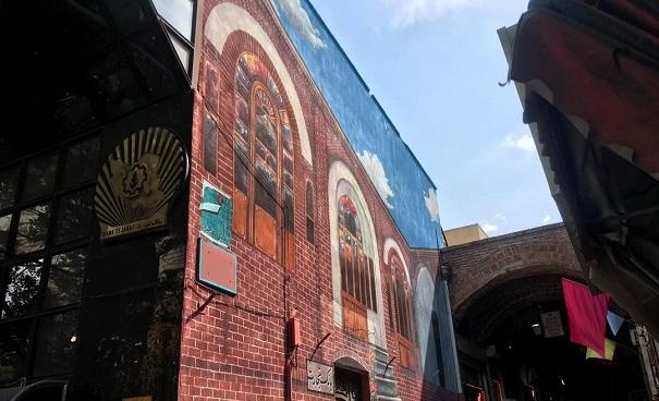 توسط شهرداری منطقه ۸ تبریز انجام یافت/ تکمیل نقاشی دیواری خانه تاریخی در ابتدای بازار حرمخانه