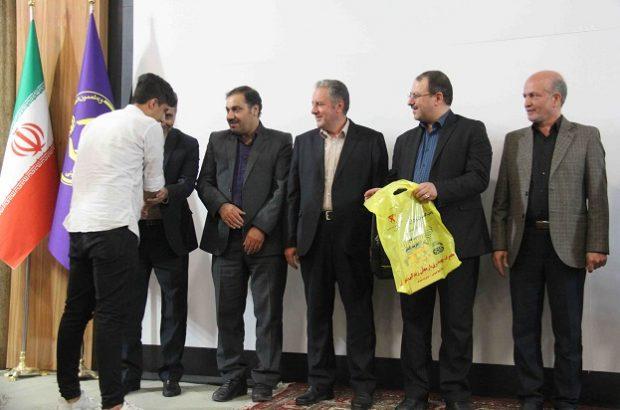 اهدای ۵۰۰ بسته نوشت افزار به مددجویان کمیته امداد توسط برق تبریز