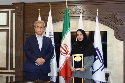 تجلیل از کارمند امانتدار هتل گسترش تبریز