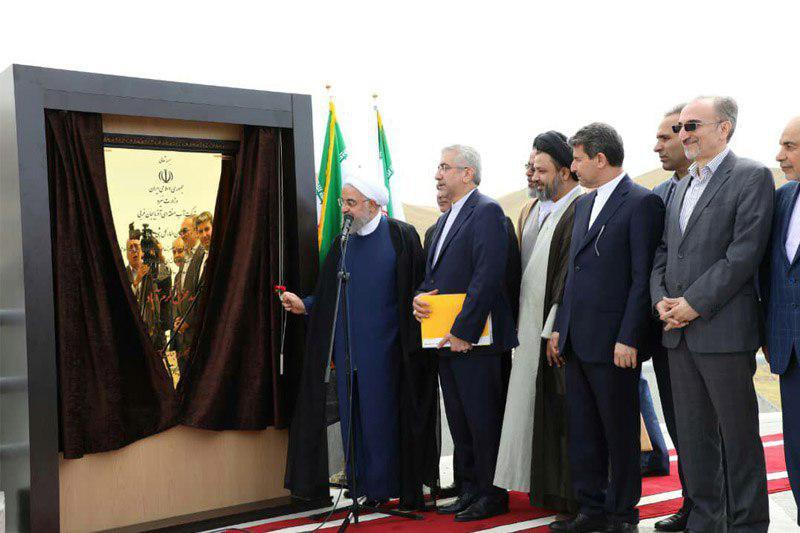 با حضور دکتر حسن روحانی انجام شد//بهره برداری از پروژه های احداث پست و خط انتقال شرکت پارس ساختار