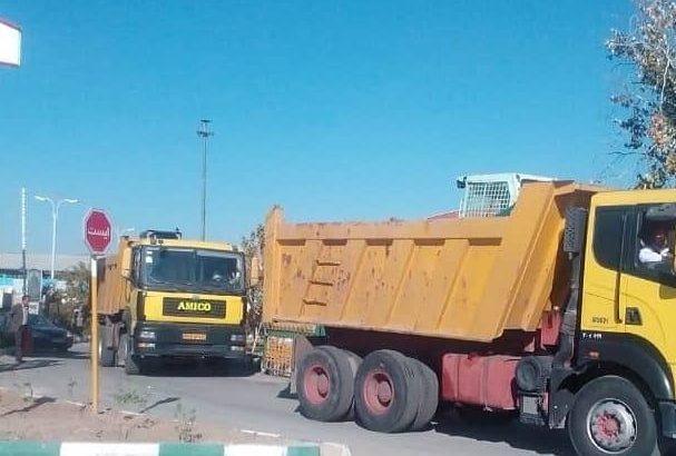 اعزام تجهیزات سازمان مدیریت پسماند به مناطق زلزله زده