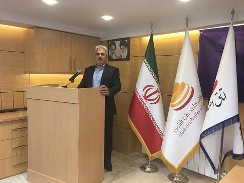 عبداله زاده، رئیس اتحادیه قنادان کلانشهر تبریز و حومه، اعلام کرد: انجام تمهیدات بهداشتی برای عرضه شیرینی شب عید