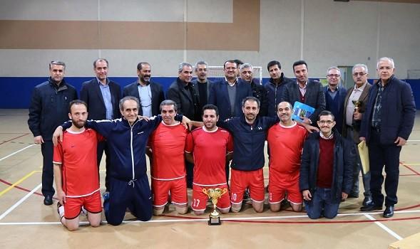 مسابقات فوتسال  شرکت آب و فاضلاب آذربایجان شرقی به مناسبت گرامیداشت هفته بسیج پایان یافت