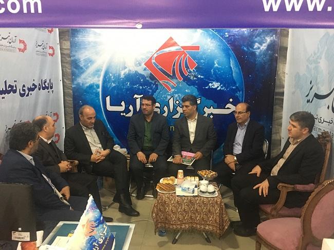 بازدیدرئیس دانشگاه علوم پزشکی تبریز از غرفه خبرگزاری آریا وآرمان تبریز