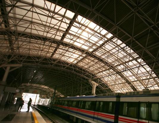 آمار روزانه مسافران مترو تبریز به ۱۵ هزار نفر رسید/رشد ۱۵ درصدی آمار مسافران مترو تبریز