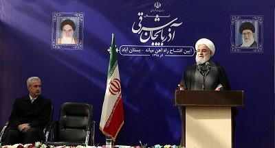 به وزیر راه و شهرسازی تاکید کرده که تا پایان سال آینده خط آهن میانه به تبریز متصل شود