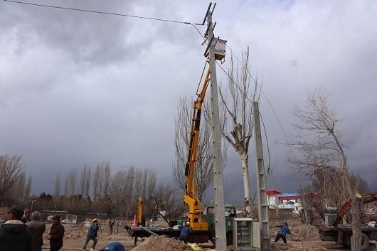 با کابلکشی ۱۳۲ کیلوولت پست امامیه به روشنایی  پایداری برق تبریز افزایش مییابد