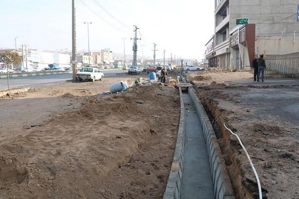 اجرای عملیات عمرانی در۸۵۰ متر از مسیرگشایی باند کندرو جاده تهران